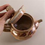 Théière en céramique, style Shino décorée de feuille d'or
