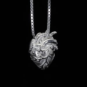 Anatomie, pendentif en argent