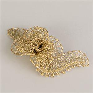 Broche en dentelle, modèle petite fleur dorée