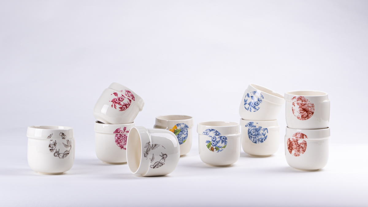 View of all the ceramic mug available in the Glitch collection