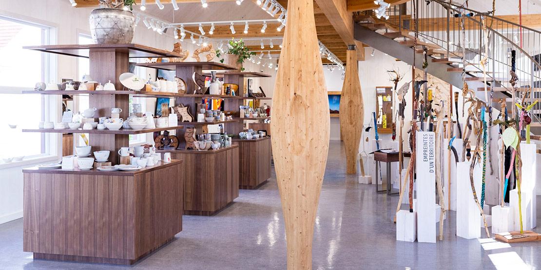 Vivoir art gallery boutique in Saint-Jean-Port-Joli